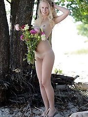 Teen Beauty Embraces Natures Welcome With Some Naked Posing On Trees And Just Having Herself A Good