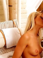 Join Grace Hartley And Marry Queen For An Intimate Massage As They Eagerly Finger And Eat Out Each O