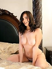 Buxom Holly Michaels Rocks Her Horny Big Breasted Body As She Finger Fucks Her Soft Dripping Pussy U